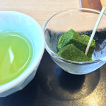 源氏総本店 - デザートの抹茶わらび餅です。