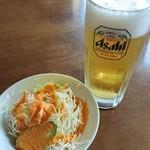 インディアンレストラン イシャント - 料理写真:セットのサラダとビール。