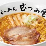 らーめん むつみ屋 - <赤味噌らーめん>北海道の長期熟成による塩気が強くキリッとした赤味噌の風合い