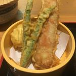 釜たけ流うどん 駅前食堂 - 天ぷら