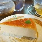74272970 - 蕎麦粉のチーズケーキ、蕎麦茶