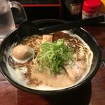 あすの澪 - 黒とんこつラーメン700円  トッピング味玉100円
