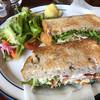 シルクツリーカフェ - 料理写真:くるみパンのサンドイッチ
