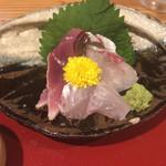 魚旬 うさぎ家 - 鯵、ハガツオ、鯛の刺身