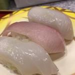 回転寿司 鮨市 - 得ぶり(真いか耳が無いので真いかに)