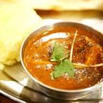 インド料理 ムンバイ - ブラックペッパーチキン(۱۱۱)