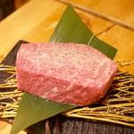 焼肉JIN - 極ロースステーキ150g2,960円