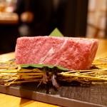 焼肉JIN - 極ロースステーキ断面