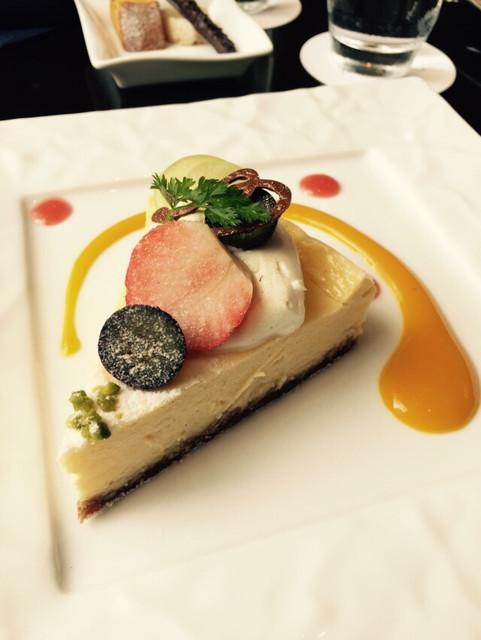 東京ステーションホテル ロビーラウンジ - ニューヨークチーズケーキ