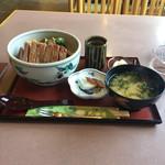 太田屋 - 料理写真:ステーキ丼(1030円税込み)
