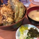 天ぷら 豊野 - ホタテ天丼とみそ汁(なめこ)
