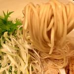 亀戸らぁ麺 零や - 麺は白っぽい細麺