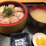 市場食堂 - 炙りハラモ漬け丼 酢飯で