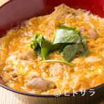 とり焼一 - ランチでも人気のメニュー『親子丼(スープ付き)』