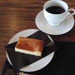 7429839 - 自家製ベークドチーズケーキと珈琲
