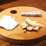 リストランテ ハナタニ - ☆チーズ盛合せ 3種 1300円