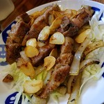 もつ焼 あぶさん - ナゴさくら豚のニンニク炒め