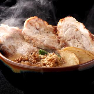 味噌漬け炙りチャーシューetc…珍しいトッピングの種類も人気