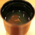 柚木元 - イグチ茸と若布の味噌汁