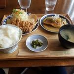 鈴木食堂 - 料理写真:定食全体図950円+ご飯大盛