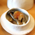 柚木元 - 兎の器の中はハタケシメジ、おろし醤油で