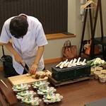 柚木元 - 部屋中に松茸の素晴らしい香りが
