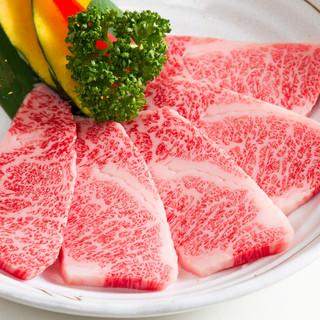 仙台牛や常陸牛など極上のお肉を取り揃えております。