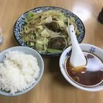 中華料理 やまだ - レバニラ定食(670円)のご飯少なめ(-50円)