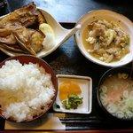 ほうせい丸 - 日替り魚ランチ ぶりかま焼き&豚肉玉子とじ煮
