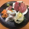 スシロー - 料理写真:「お刺身 本日の厳選8種盛り」980円(税抜き)