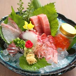 お刺身、海鮮を中心に逸品料理、創作料理など