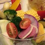 エミット フィッシュバー オイスター&グリル - 季節野菜盛のアップ