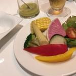 エミット フィッシュバー オイスター&グリル - 季節野菜の取り分け後