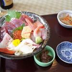 レストラン・あおみ - 料理写真:三崎まぐろ海鮮丼