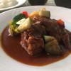 キッチン・スパイス - 料理写真:日替わりランチのビーフ煮込みデミグラスソース