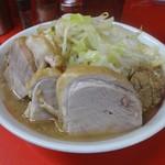 ラーメン二郎  - ラーメン(730円)+豚増し(150円)