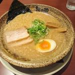 越後秘蔵麺 無尽蔵 - 豚骨塩