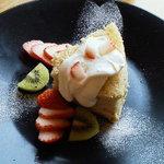 自然派レストラン&一日ひと組の宿 そうか - さくら苺シフォン(春の香りのデザート)