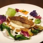 ヴァンセット ケイ - 天然真鯛のポワレ 数種類の野菜添え
