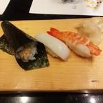 江戸前 びっくり寿司 - 納豆巻き、イカ、海老