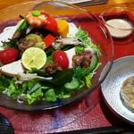 嚼夢果  - 料理写真:具だくさん米粉麺白胡麻サラダ仕立て