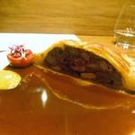 オルタナティブ - ・グルーズとペルドローのパイ包み  サルミ・ソースでクラシカルに1