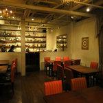 日比谷 Bar - ⑤カウンターと席