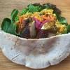 プカ オーガニクス - 料理写真:タンドリーチキンと豆カレーのピタパンサンド