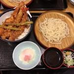 74341607 - 【2017年07月】大江戸天丼+小うどんセット@980円、提供時。