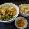 讃岐うどん しすせそ - 料理写真:かき揚げうどんと炊き込みご飯セット 670円