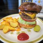 バーガークレイジー - 料理写真:チリビーンズチーズバーガー+ベーコン