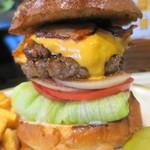 バーガークレイジー - チリビーンズチーズバーガー+ベーコン