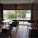 カフェ フクバコ - 2階席