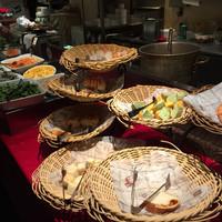ナポリの食堂 アルバータ アルバータ-パンとサラダとスープはビュッフェスタイル